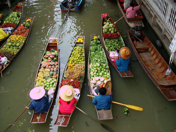 Floating Market in Bangkok 3