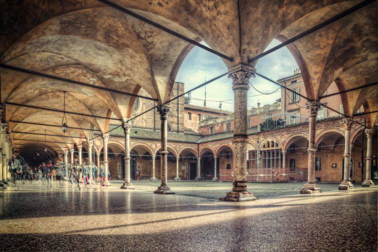 Nice Portico near a famous church in Bologna