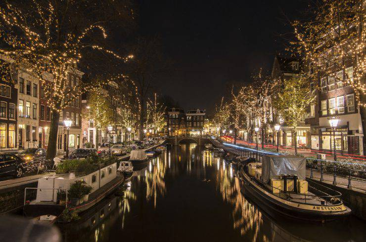 Winter night time at Spiegelgracht canal in Amsterdam.