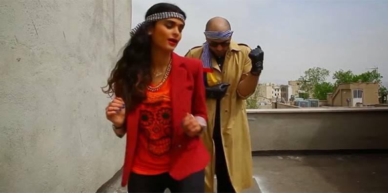 Ragazzi Iraniani ballano Happy