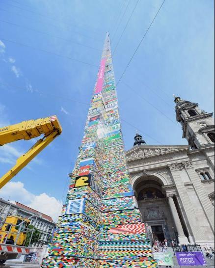 Torre di Lego di Budapest attualmente detenente il record mondiale in altezza