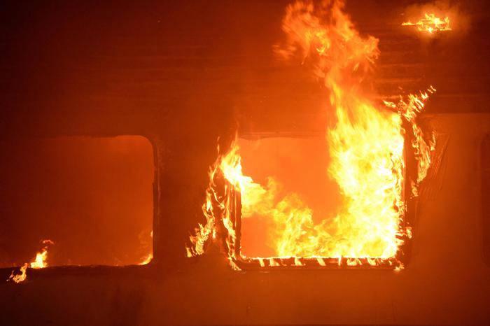 treno in fiamme (intercity Napoli-Sestri Levante)
