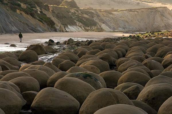 spiaggia Bowling California mendocino spiaggia con le palle da bowling