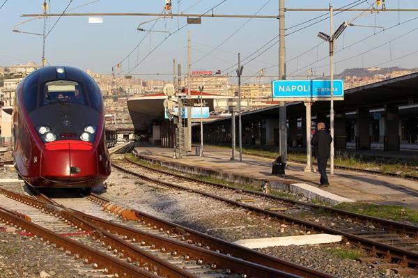 stazione di napoli centrale