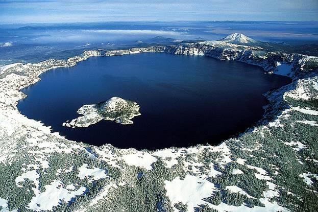 Lago crater