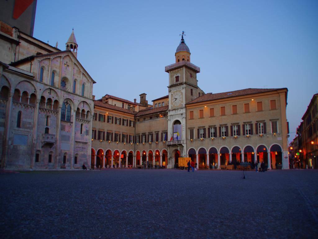 Palazzo_comunale_Modena_1024x768