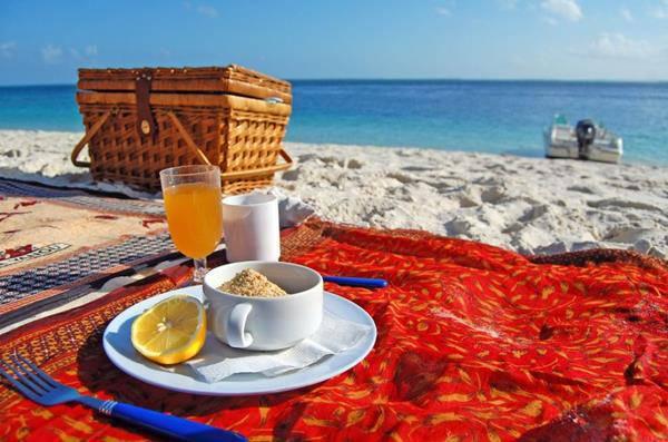 mangiare in spiaggia picnic al mare