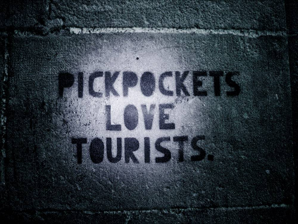 Pickpockets-love-tourists
