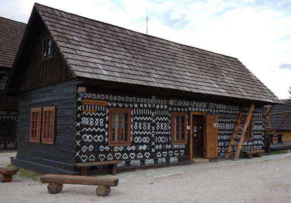 villaggio dalle case ricamate