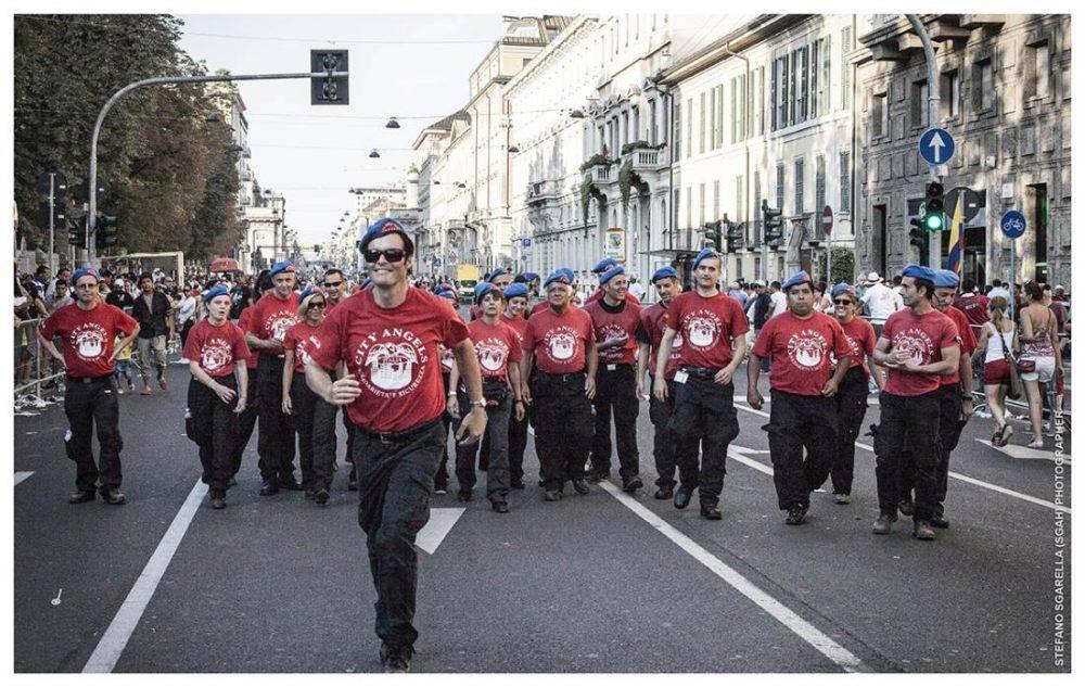 Mario Furlan con un gruppo di City Angels
