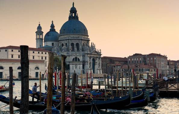 raggiungere Venezia