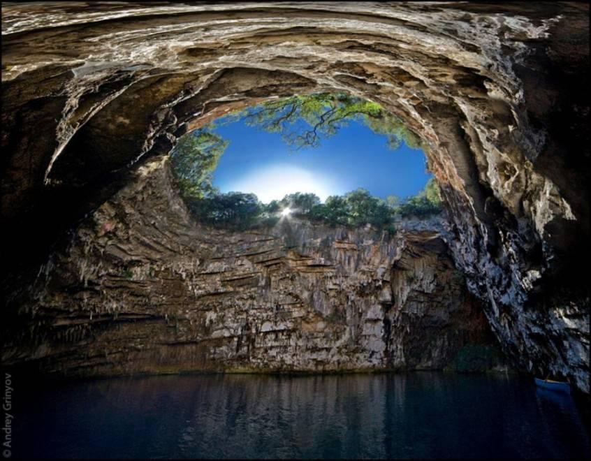 Melissani Cave - Grecia