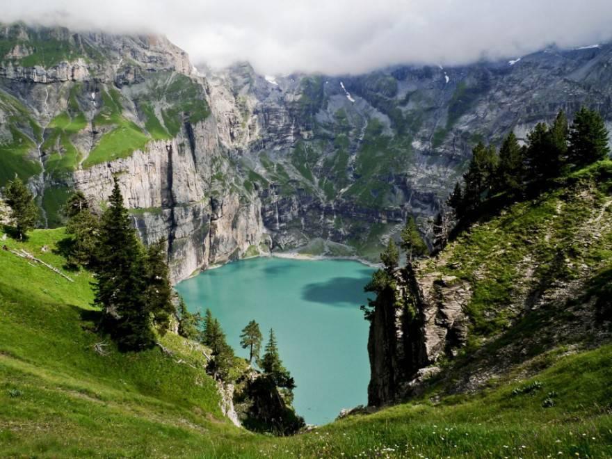 Öschinensee Lake - Lötschberg, Svizzera