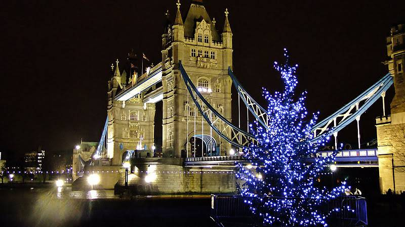 Tower bridge londra natale