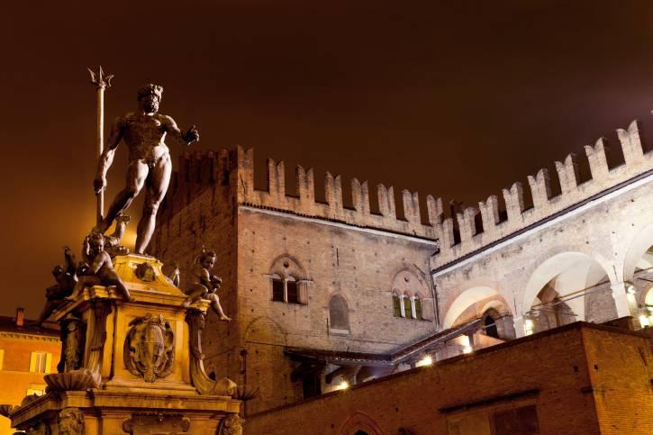 Bologna, Fontana del Nettuno (Thinkstock)