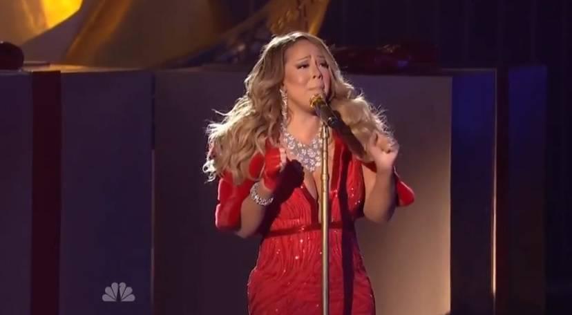 Mariah Carey Canzone Di Natale.La Figuraccia Di Mariah Carey Al Concerto Di Natale