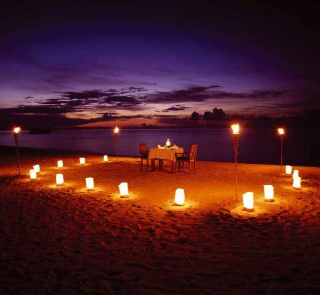 Cena romantica en la playa_0