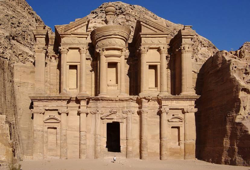 El Deir a Petra (Wikipedia)