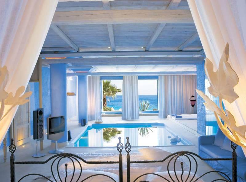 stanza con piscina 10