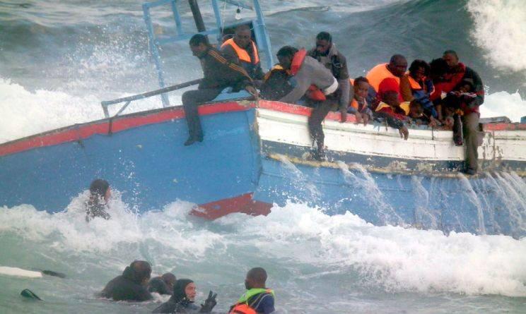 Strage di migranti a Lampedusa: più di 200 morti