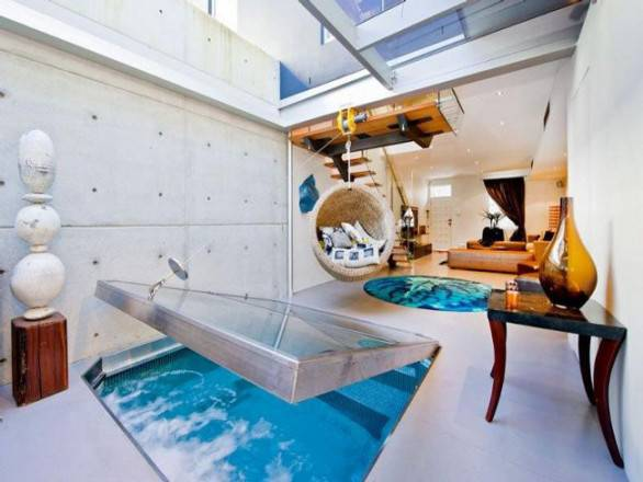 stanza con piscina 22