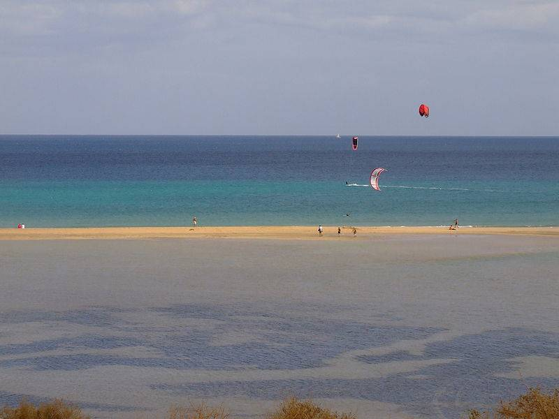 Fuerteventura, Playa de Sotavento @Wikipedia