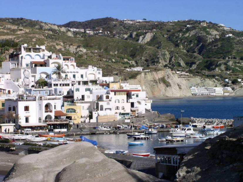 Ischia @Wikipedia