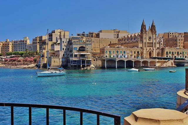 Il soggiorno a Malta (caravaggio) - Sito realizzato con Qixbuilder