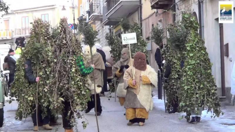 """A Carnevale diventare un """"uomo albero"""", è possibile solo a..."""