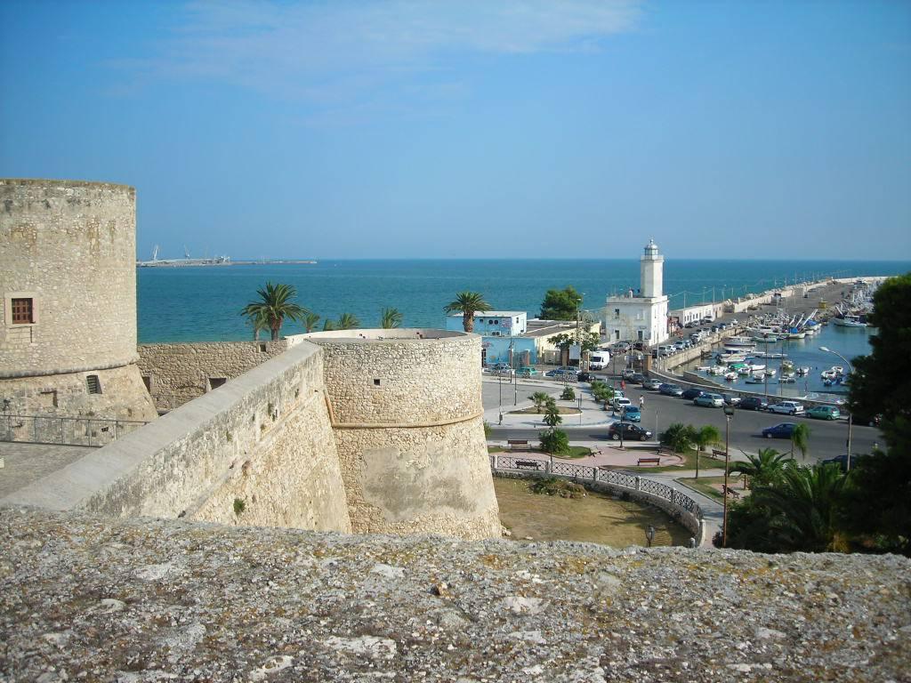 Castello di Manfredonia @Wikipedia