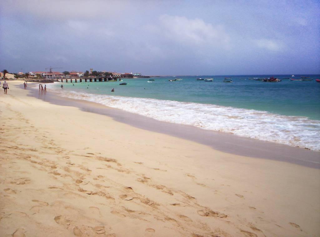 Spiaggia di Santa Maria, Isola di Sal, Capo Verde @Wikipedia