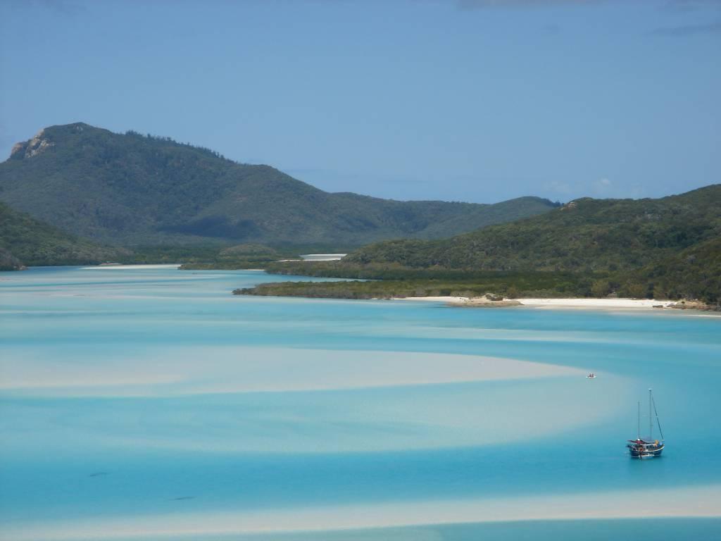 Whit sunday Island Beach @Wikipedia