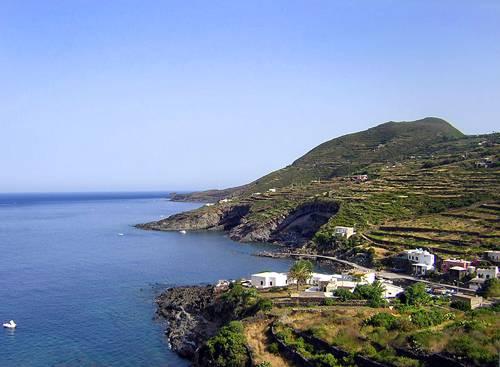 Cala Gadir, Pantelleria @Wikipedia