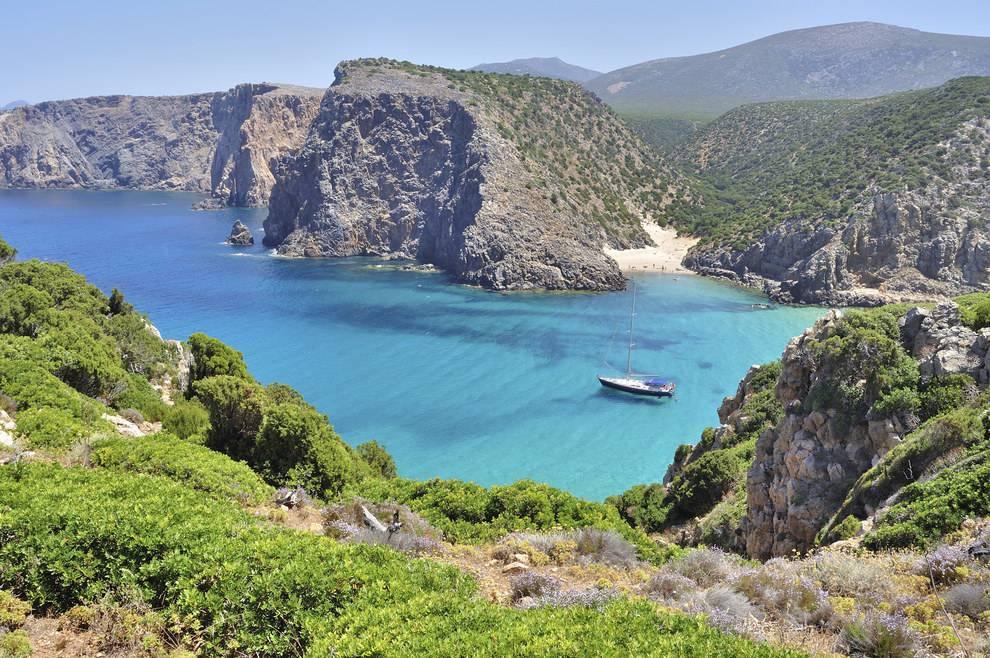 - E se pensavate che la Sardegna fosse meglio, vi sbagliate: è in assoluto il peggio - Cala Domestica (Sardegna)
