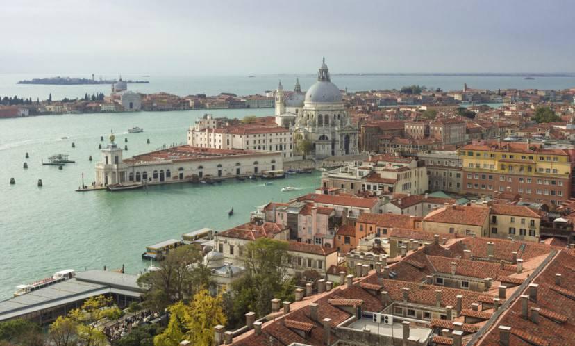 - Venezia è come un grande niente circondato dall'acqua - Venezia