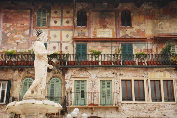Verona, Piazza delle Erbe (Thinkstock)