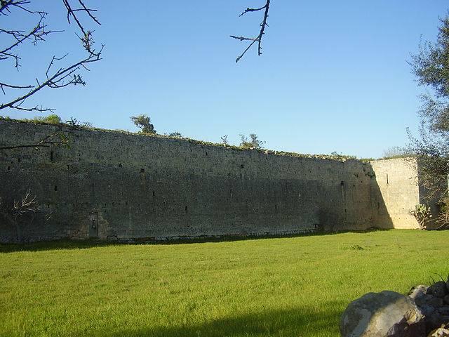 Castello di Fulcignano a Galatone (Foto di Lupiae, Wikipedia. Licenza CC BY-SA 3.0)