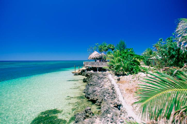 Caribbean, Honduras, Roatan Island, West End Beach, View of a beach