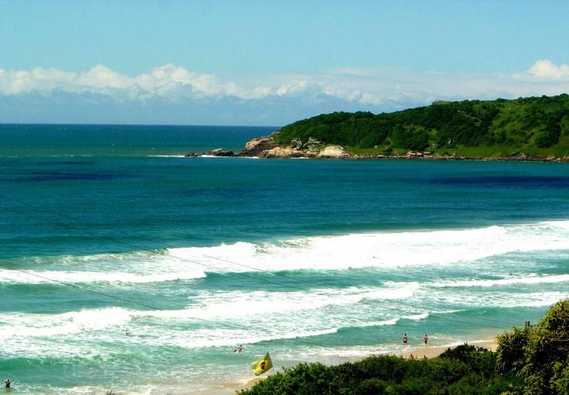 Praia do Rosa (Foto di CristinaPessini da Flickr. LIcenza CC-BY-SA 2.0)