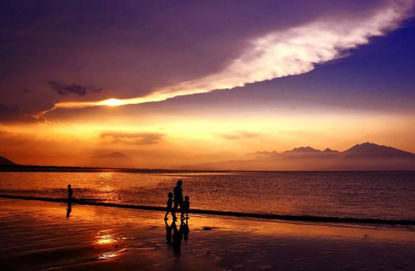 Da Nang Bay, Vietnam (pubblico dominio)