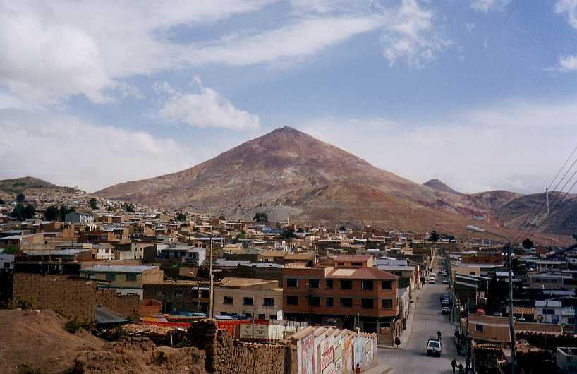 Potosi (Bolivia ( foto di Gerd Breitenbach, da Wikipedia. Licenza: CC BY-SA 3.0)