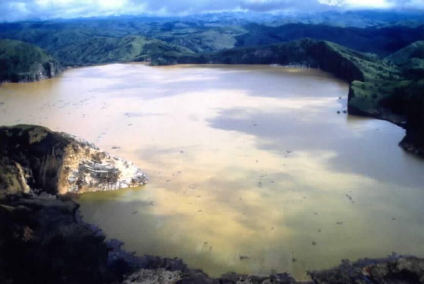 Lago Nyos, Camerun (Foto Wikimedia Commons, Pubblico dominio)