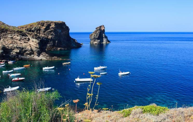 Pantelleria, Faraglioni (Thinkstock)