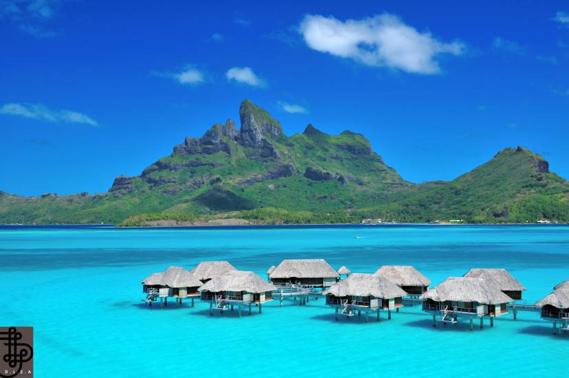 Bora Bora, Four Seasons Resort (Foto di Didierlefort, da Wikicommons. Licenza CC BY-SA 3.0)
