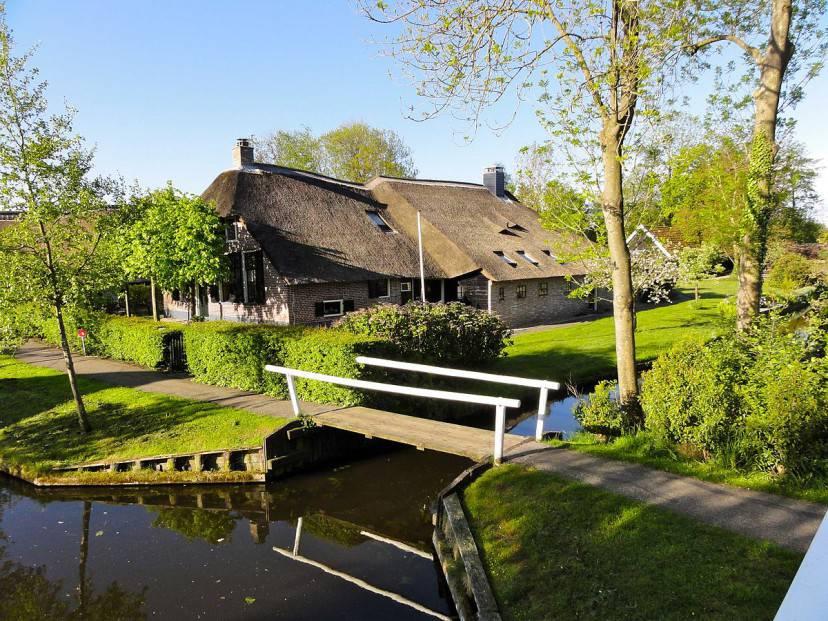 Giethoor, Noorderpad (Foto di Gouwenaar, Wikipedia. Pubblico dominio)
