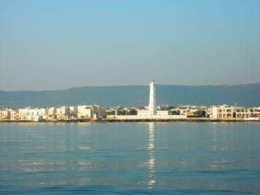 Torre canne, Fasano (Foto di Orubino, da Wikipedia. Pubblico dominio)