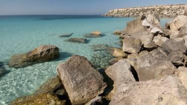 Favignana, Isole Egadi, Sicilia (Foto di Markos90, Wikicommons. Licenza CC BY 2.0)