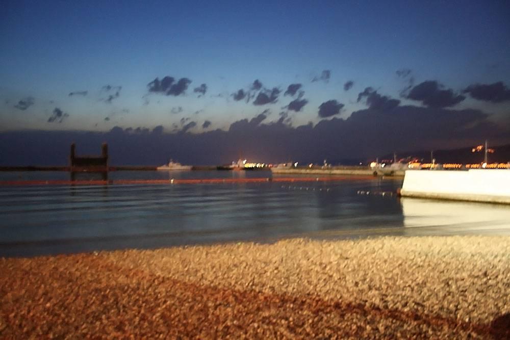 La spiaggia divisa fra uomini e donne lo stabilimento di - Bagno lanterna trieste ...