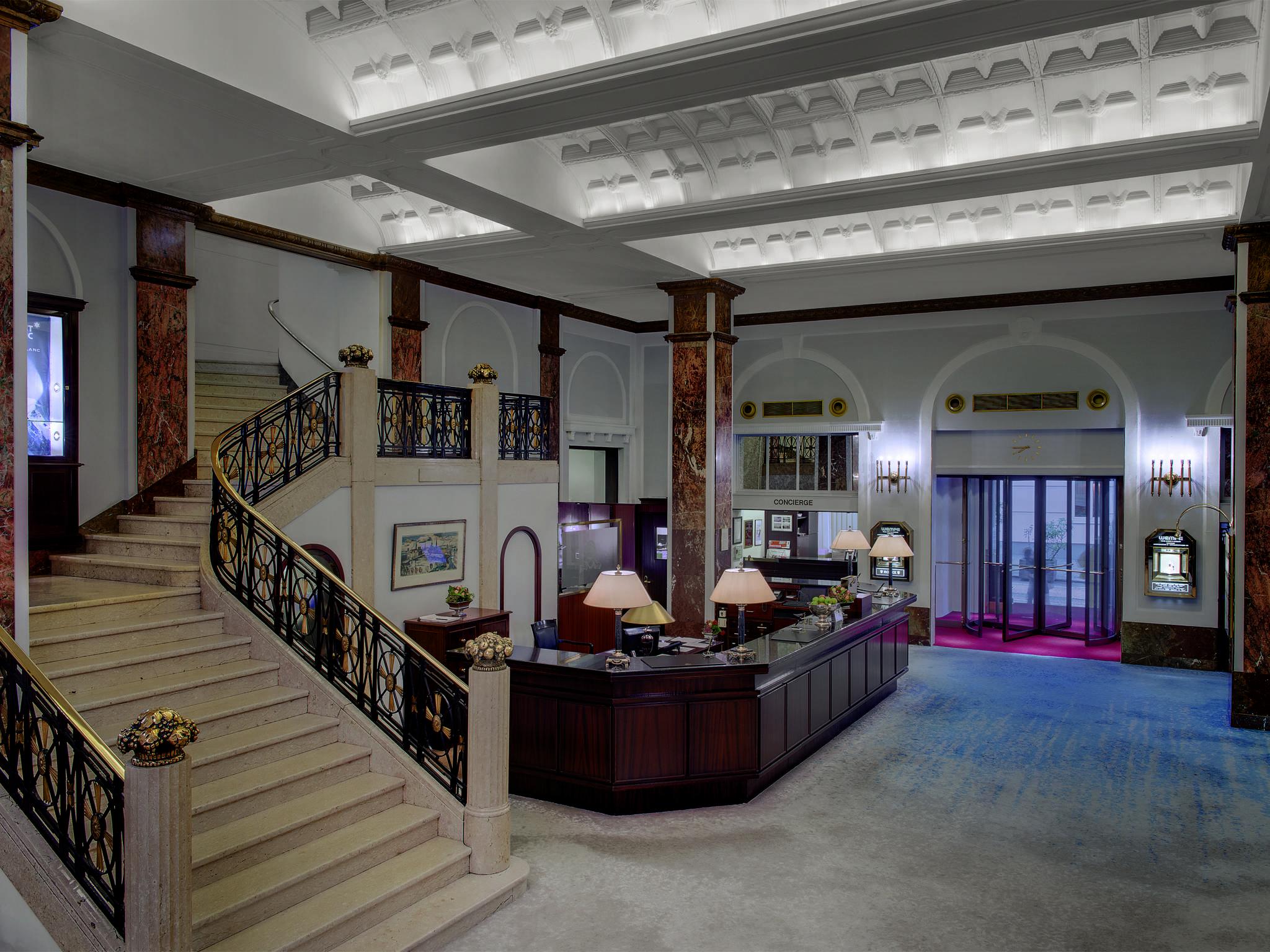 Hoteltonight festeggia la mostra del cinema di venezia 10 for Hotel piu belli al mondo