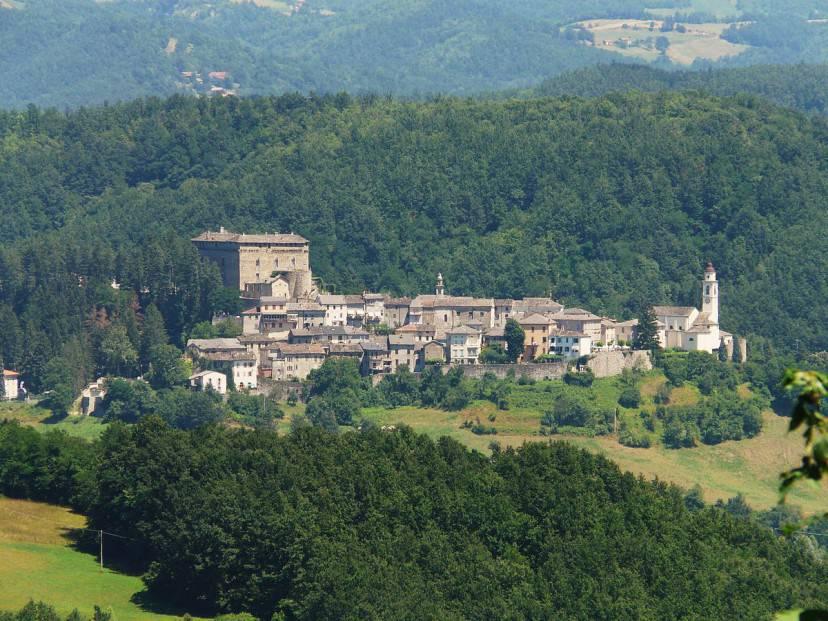 Compiano (Foto di Davide Papalini. Licenza CC BY-SA 3.0 via Wikimedia Commons)